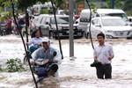 """Khu vực toà nhà cao nhất VN- Keangnam bị """"cô lập"""" nhiều giờ vì mưa lớn"""