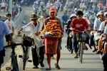 """Hà Nội: Tiền lót tay và """"chi phí bôi trơn"""" ngày càng trầm trọng"""