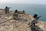 Quân đội Iran bắt đầu cuộc tập trận trên bộ và trên không