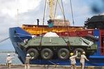 Campuchia tiếp nhận 140 xe bọc thép tại cảng Sihanukvill