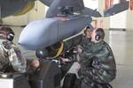 """""""Mỹ có thể dùng bom lượn thông minh JSOW để tấn công Trung Quốc"""""""