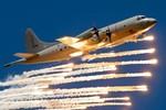 Máy bay P-3C Nhật Bản thả phao sonar theo dõi tàu ngầm Trung Quốc