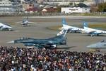 Nhật Bản lập kỷ lục chi tiêu quân sự mới