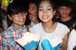 Hoàng Quyên để mặt mộc giao lưu fan hâm mộ