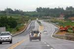 Làm đường nối cao tốc Nội Bài - Lào Cai đến Sa Pa theo hình thức BOT