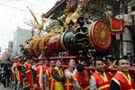 Lễ rước quả pháo 6 mét ở làng Đồng Kỵ