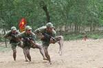 Kỹ thuật vượt vật cản điêu luyện của đặc công Việt Nam