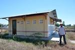 Một trường tiểu học miền núi có 3 nhà vệ sinh giá gần 2 tỷ đồng?