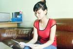 Nữ thủ khoa xinh xắn rửa bát thuê kiếm tiền nhập học