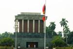 Lễ treo cờ rủ Quốc tang Đại tướng Võ Nguyên Giáp tại Ba Đình