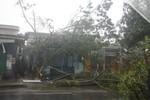Bão số 11 đổ bộ vào đất liền: Đà Nẵng tơi tả, biển Mỹ Khê dậy sóng