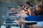 Mỹ đào tạo bắn súng cho giáo viên