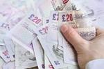Sinh viên tại Anh nộp phạt hơn 550.000 bảng vì phạm quy