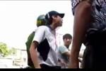 Video: Mẹ vi phạm giao thông, con chửi Cảnh sát trật tự