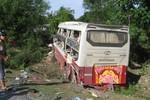 Tai nạn thảm khốc trên QL1 A: 2 người chết, 12 người bị thương