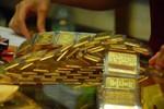 Mua vàng trên 300 triệu đồng phải khai báo thông tin gì?