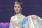 Trần Thị Quỳnh đeo băng ghi sai tên nước lọt Top 6 Mrs World 2013