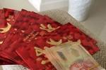 Sởn da gà với màn mạt sát sau khi Dương Triệu Vũ bị quy chụp khoe tiền