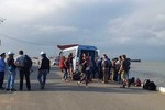 Cấm xe khách sang đảo Cát Bà, Hải Phòng vì môi trường hay ngăn sống cấm chợ?