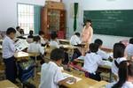 Hàng trăm giáo viên bị sa thải