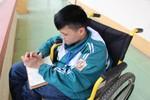 Nhà giáo Nguyễn Lân Dũng chắp cánh ước mơ cho cậu học sinh kém may mắn