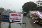 """Vấn nạn """"chặt chém"""" trước cửa đền Bảo Lộc"""