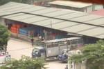 """Quận Hoàng Mai kiểm tra hai """"kho bom"""" gas khổng lồ dưới chân cầu Thanh Trì"""