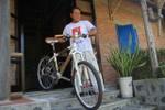 Nông dân làm xe đạp bằng tre bán đi khắp thế giới