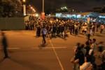 Hàng trăm người chờ đón ông Nguyễn Bá Thanh ở sân bay