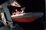 Khẩn cấp cứu ngư dân gặp nạn ngoài biển