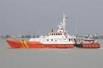 Đang đưa ngư dân và tàu cá bị đâm chìm ngoài biển Hoàng Sa vào bờ