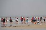 Người dân hiến kế quản khách du lịch Trung Quốc