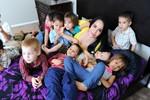 Cuộc sống chật vật của bà mẹ sinh 8 và 14 đứa con