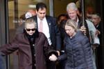 Ngoại trưởng Mỹ Hillary Clinton bất ngờ xuất viện