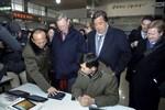Chủ tịch Google viếng lăng lãnh tụ Bắc Triều Tiên