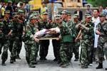 Trung Quốc điều 18 ngàn quân cứu hộ động đất, từ chối viện trợ