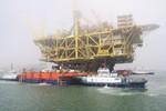 Trung Quốc kéo dàn khoan bằng tòa nhà 18 tầng ra Biển Đông