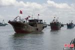 Hình ảnh 32 tàu cá Trung Quốc kéo ra Trường Sa đánh bắt trái phép