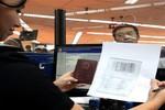 Philippines trục xuất khách du lịch Trung Quốc trịch thượng