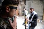 Phiến quân Syria ra lệnh cấm tân binh hút thuốc, cấm dùng di động