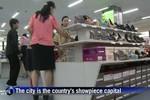 Video: Cận cảnh dân Bắc Triều Tiên đi siêu thị