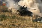 Video: Xe tăng, hỏa lực phiến quân nã đạn vào phe Assad ở Aleppo