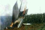 Chiến đấu cơ Trung Quốc cắm đầu xuống ruộng ngô, phi công tử nạn