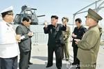 Kim Jong-un thị sát tàu chiến mới diễn tập cơ động