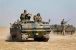 Video: Thổ Nhĩ Kỳ tăng quân áp sát biên giới Syria