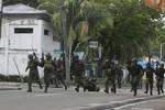 Phiến quân Philippines đấu súng với hải quân, bắt cóc con tin
