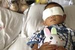 Cậu bé Trung Quốc bị cướp mất đôi mắt đã được phẫu thuật lắp mắt giả