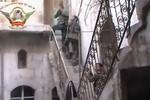 Video: Giao tranh giành giật từng ngôi nhà đổ nát ở Aleppo, Syria