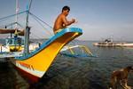 Philippines điều tàu hải quân, máy bay cứu hộ ngư dân ở bãi Cỏ Rong