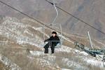 """Kim Jong-un """"cưỡi"""" cáp treo thăm đèo trượt tuyết Masik"""